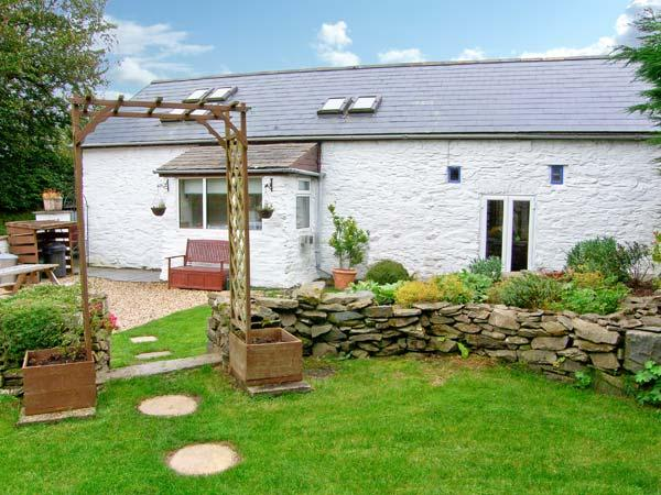 THE BARN, barn conversion, with woodburner, off road parking, garden with hot tub, in Aberystwyth, Ref 18938 - Image 1 - Aberystwyth - rentals