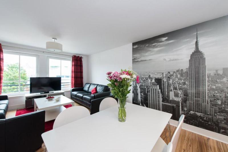 views from kitchen table - Hopetoun Village Apartment - free parking and wifi - Edinburgh - rentals