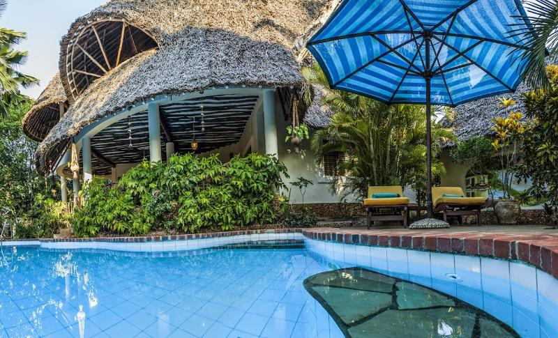 Big Villa - Great luxury villa with guesthouse, pool & cook - Diani - rentals