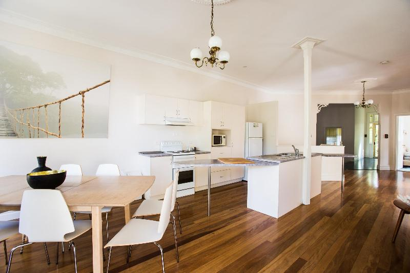 Kitchen & Dining Area - The Jacaranda Villa, Sleeps 14, Pool & Spa - Coffs Harbour - rentals