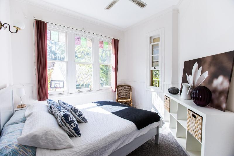 Bedroom 1 - The Jacaranda Villa, Sleeps 14, Pool & Spa - Coffs Harbour - rentals