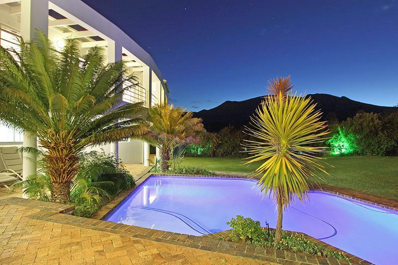 Mountain View from Pool - Groot Constantia Villa - Constantia - rentals