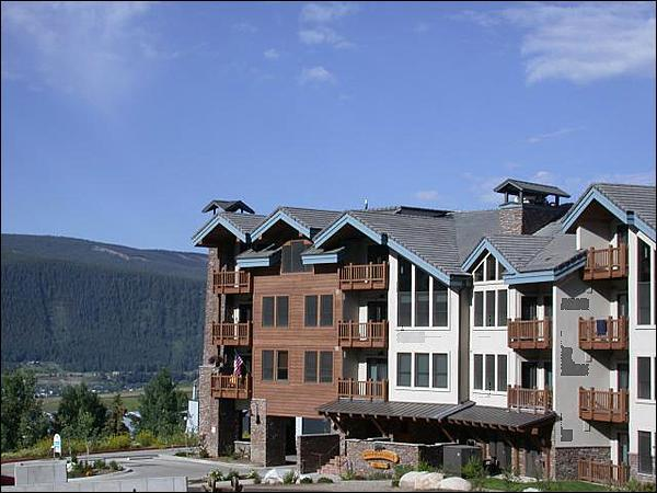 Located Just a Short Walk from the Lifts - Magnificent Vacation Condo - Great for Winter and Summer Vacations (1239) - Crested Butte - rentals