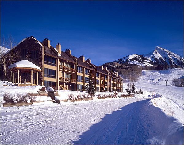 Incredible Slopeside Location - Great Year-Round Vacation Condo - On the Winter Shuttle Route (1264) - Crested Butte - rentals