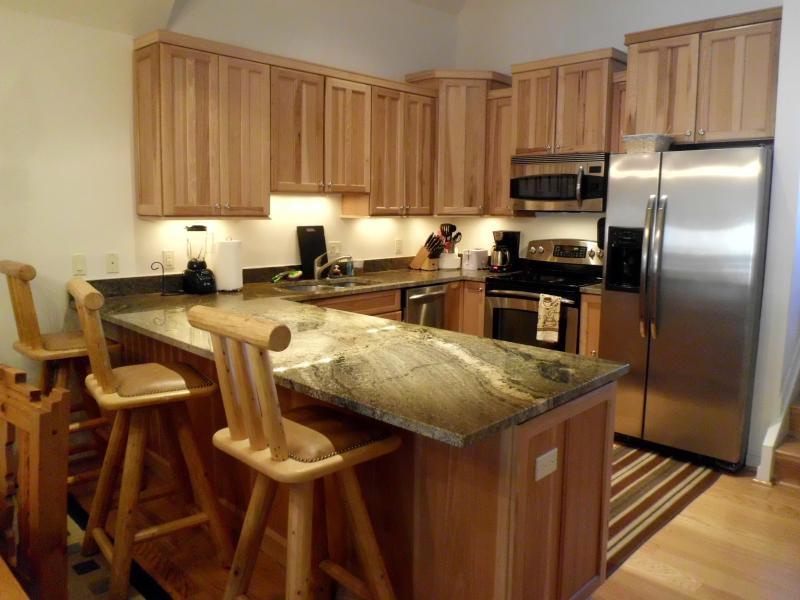 Beautiful Updated Kitchen - Gorgeous 3BR/2 BA condo near Keystone, A-Basin... - Keystone - rentals