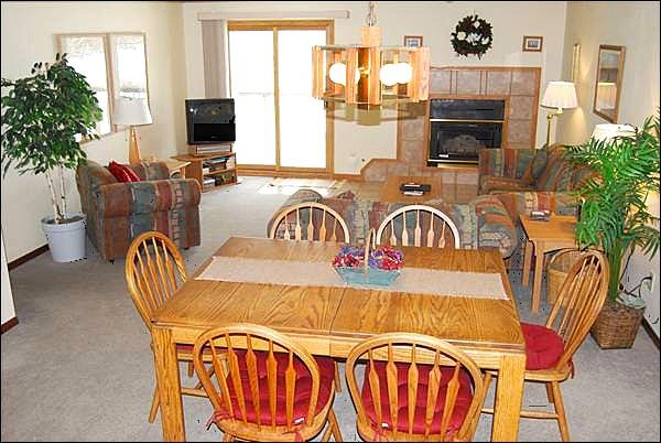 Seating for 6 at the Dining Table - Centrally Located - Great Mountain Views (7017) - Keystone - rentals