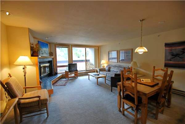 Wood Burning Fireplace in the Living Room - Affordable Mountain Accommodations - Comfortable Amenities (7039) - Keystone - rentals