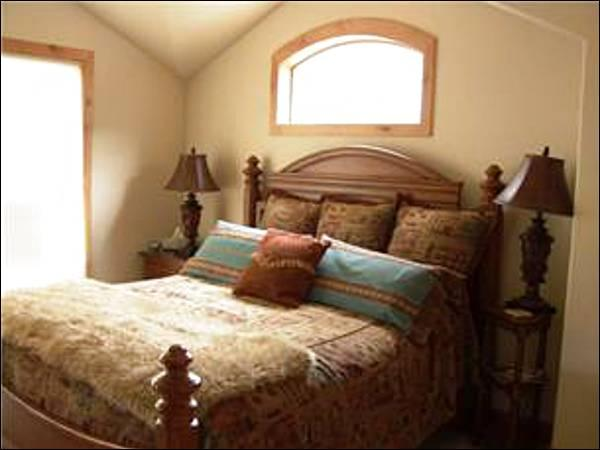 Master Bedroom Features a King Bed - Beautiful Resort Views - Close to Everything (5003) - Winter Park - rentals