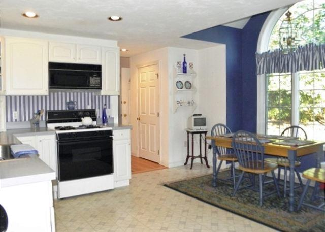 HARWICH NEAR DENNIS LINE 3 BEDROOM 3.5 BATH CAPE, CLOSE TO BIKE PATH! - Image 1 - Harwich - rentals