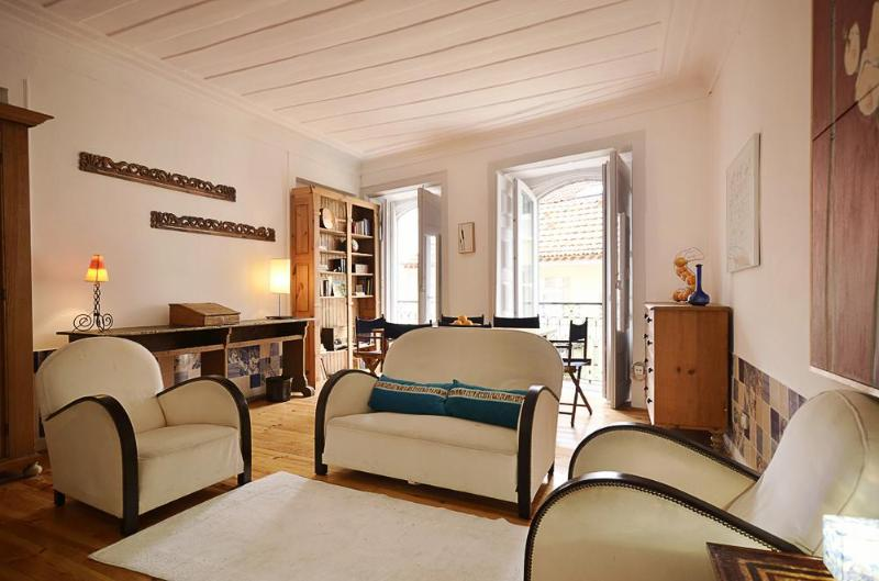 Comfortable versatile family type in best quarter - Image 1 - Lisbon - rentals
