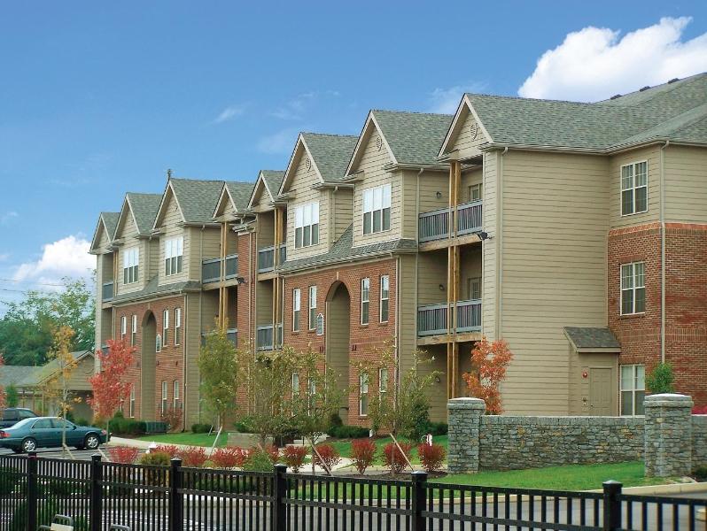 Exterior Building - Furnished 3-Bedroom Apartment in East Lexington - Lexington - rentals