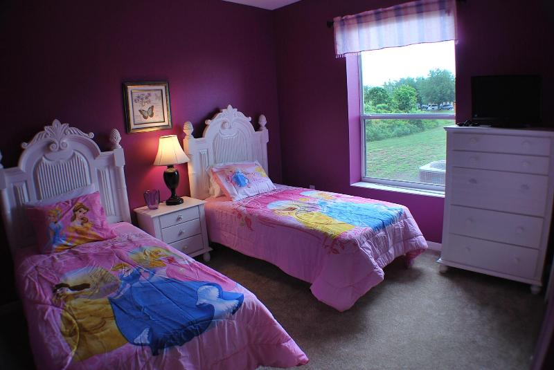 DISNEY PRINCESS ROOM WITH TWO TWIN BEDS - 4 Bed/3 bath Condo with only 2 miles to Disney - Kissimmee - rentals