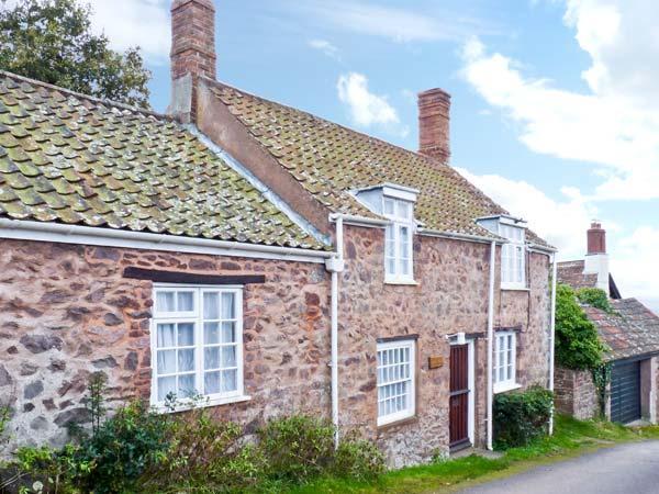 MOONFLEAT COTTAGE, character pet friendly cottage, views, walks from door, West Quantoxhead Ref 18131 - Image 1 - Sampford Brett - rentals