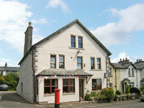 GRANGE FELL, family accommodation, with two sitting rooms, woodburning stove, garden, in Grange-over-Sands, Ref 20351 - Image 1 - Cumbria - rentals