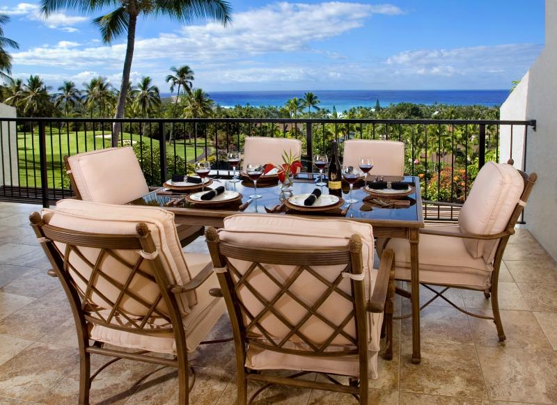 Main lanai - gas barbecue, 6 seat dinning table - 5 Star Ocean View Kona Condo - Kailua-Kona - rentals