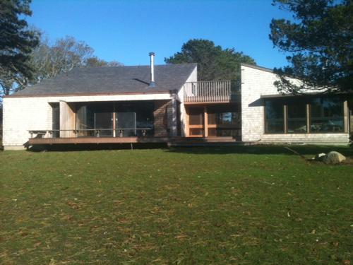 1517 - ARCHITECTURALLY DESIGNED, WATERFRONT CONTEMPORARY - Image 1 - Edgartown - rentals