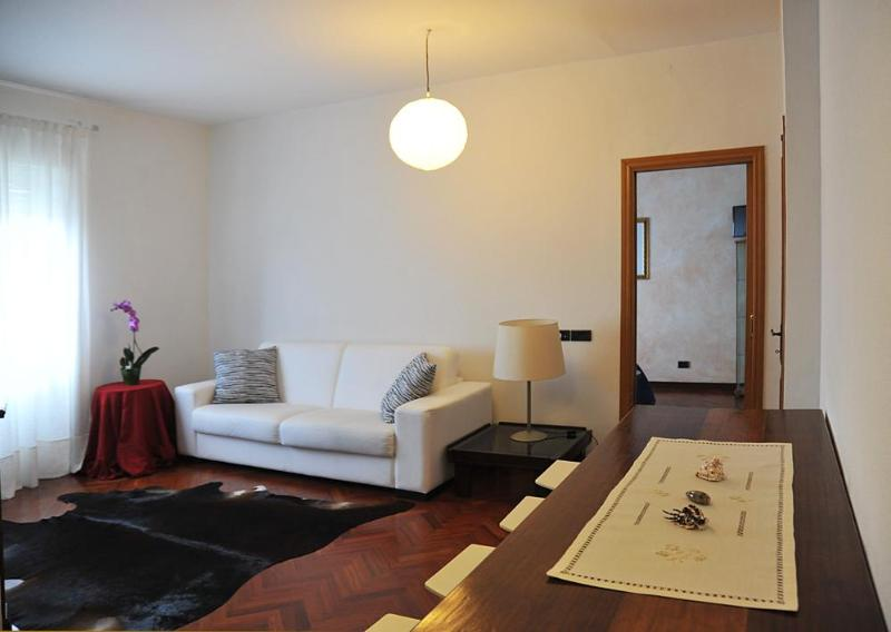 ROMAN HOLIDAY AT PIGNETO  DISTRICT - Image 1 - Rome - rentals