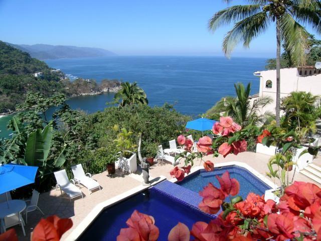 Views of the common area pool - Condo Chris at Mismaloya - Jalisco - rentals