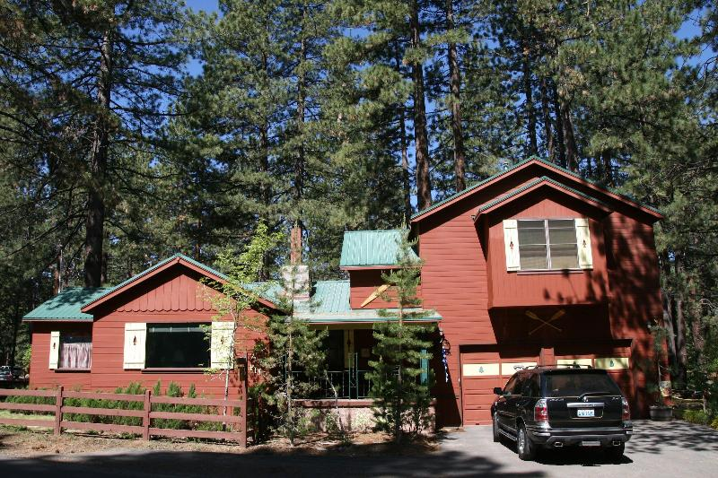 Front of house in the Summer - Rhapsody at the Blue, In the Heart of North Shore - Tahoe Vista - rentals