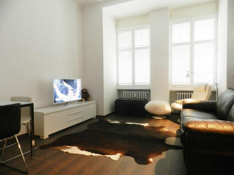 Sitting room with SMART (Internet) TV - Charlottenburg Lodge Vacation Lodge in Berlin - Berlin - rentals