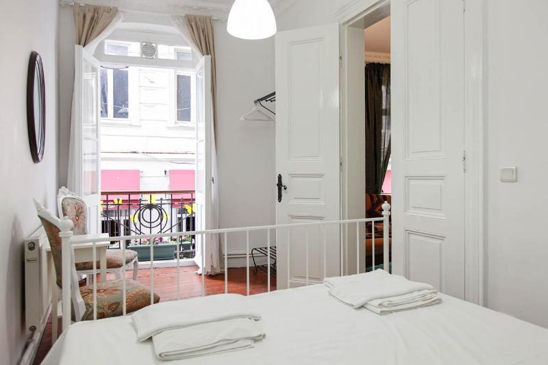 Master Bedroom - TARUS APARTMENTS KUMBARACI - Istanbul - rentals