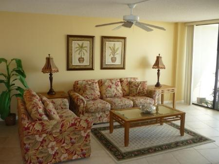 Livingroom - Family Beachfront Fun at this cozy condo in Gated Resort - Marco Island - rentals