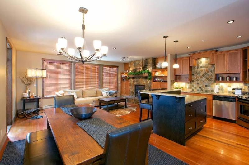 Spacious, outstanding living area with handsome furniture, fireplace, large windows and Douglas fir flooring. - Phillips Family Super Fund - Big White - rentals