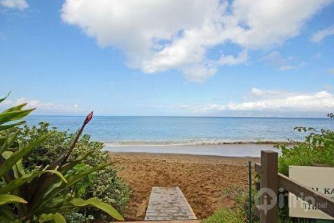 Royal Kahana oceanfront resort with sandy beach. - Ocean View Royal Kahana Studio - Lahaina - rentals