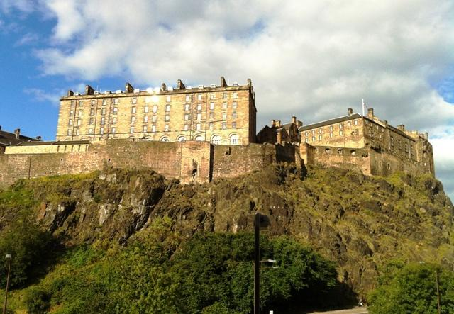 Edinburgh Castle Hill as seen from the Drawing Room windows - Edinburgh Castle View - Edinburgh - rentals
