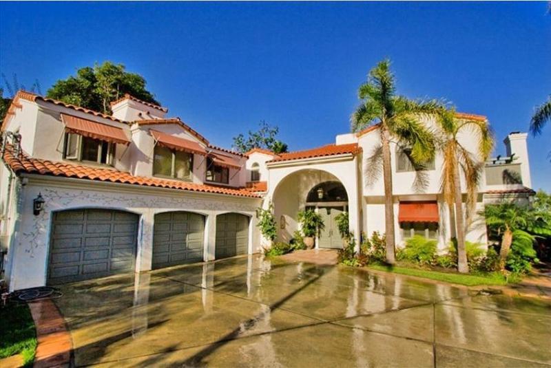 Main entrance to Home - Beautiful La Jolla Mansion - Right Near Beach! - La Jolla - rentals