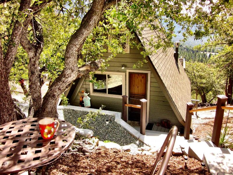 Pine Rock Retreat, a private cozy A-Frame Studio-Style Idyllwild Cabin - Amazing Views!! Pine Rock Retreat Private Cabin - Idyllwild - rentals