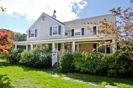 CONTEMPORARY FARMHOUSE WITH SHABBY CHIC STYLING - EDG AHAR-70 - Image 1 - Edgartown - rentals
