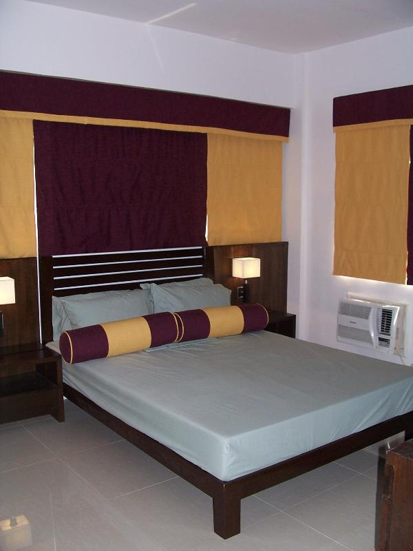 Bedroom - Newly Renovated Hotel-Like One Bedroom Condo (Eastwood Vacation Suites) - Quezon City - rentals
