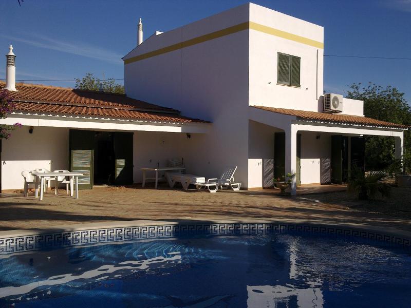 The house and pool - Elegant 5 bedroom villa in the Algarve sleeps 12 - Tavira - rentals