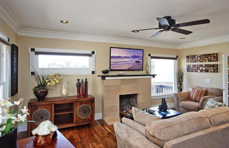 Living Room - Cedar North Laguna-Remodeled-Heisler Park!! - Laguna Beach - rentals