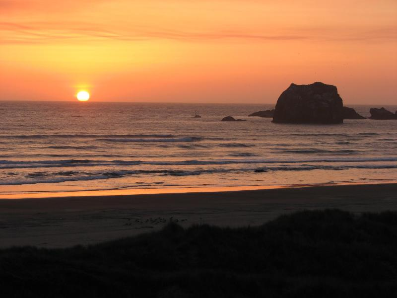 Sunset - Reduced summer rates- Call for detail- Sleeps 1-31 - Bandon - rentals