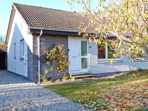 STEAM COTTAGE, single-storey accommodation, woodburner, conservatory, enclosed - Image 1 - Aviemore - rentals