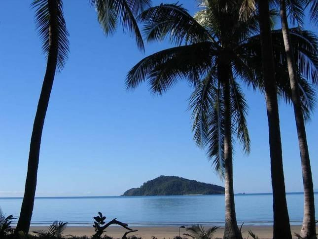 Snapper Island view from property - Baku Beachouse retreat for couples in Daintree QLD - Daintree - rentals