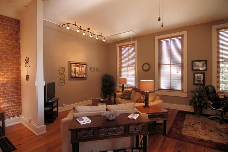 Enjoy the quaint surrounds ot the Living Room with HDTV and eastern windows fronting Bilmore Ave.... - Downtown 39 Biltmore Loft is simple elegance...... - Asheville - rentals