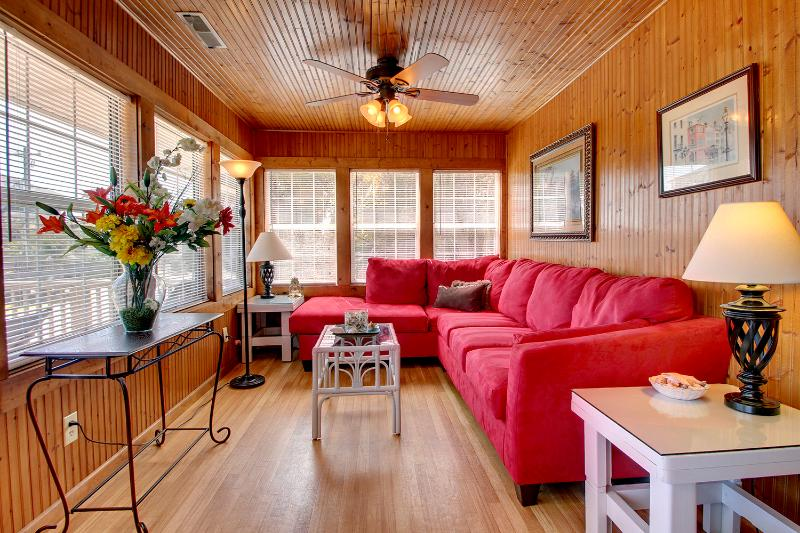 Front Room Looking Toward Deck - Ocean View Sleeps 8-12, Creating Seaside memories - Folly Beach - rentals