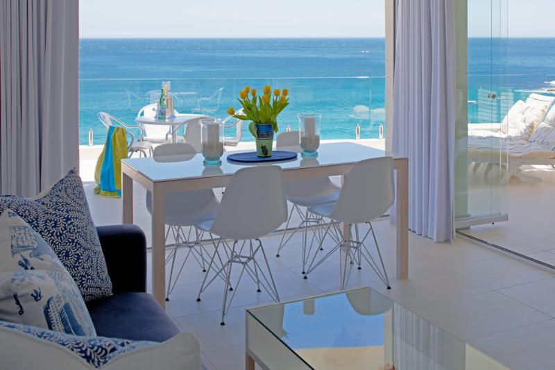 Panoramic view of Clifton. Best view in Cape Town - Cape Town: Clifton. 1st Beach SEAVIEW APARTMENT. Private access to beach. Best position in Clifton. On the beach!!! - Clifton - rentals