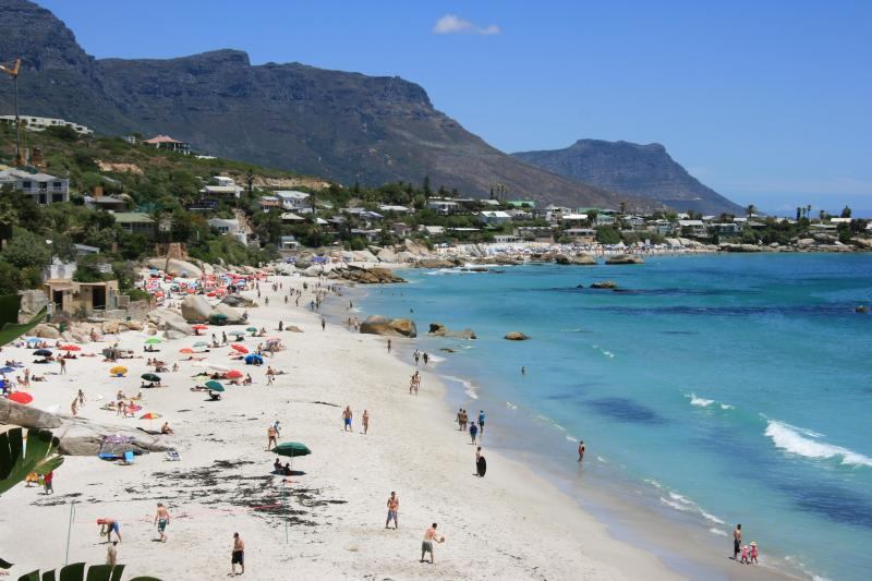 Clifton First Beach directly visible from balcony and accessible by private entry - Cape Town: Clifton. 1st Beach SEAVIEW APARTMENT. Private access to beach. Best position in Clifton. On the beach!!! - Clifton - rentals