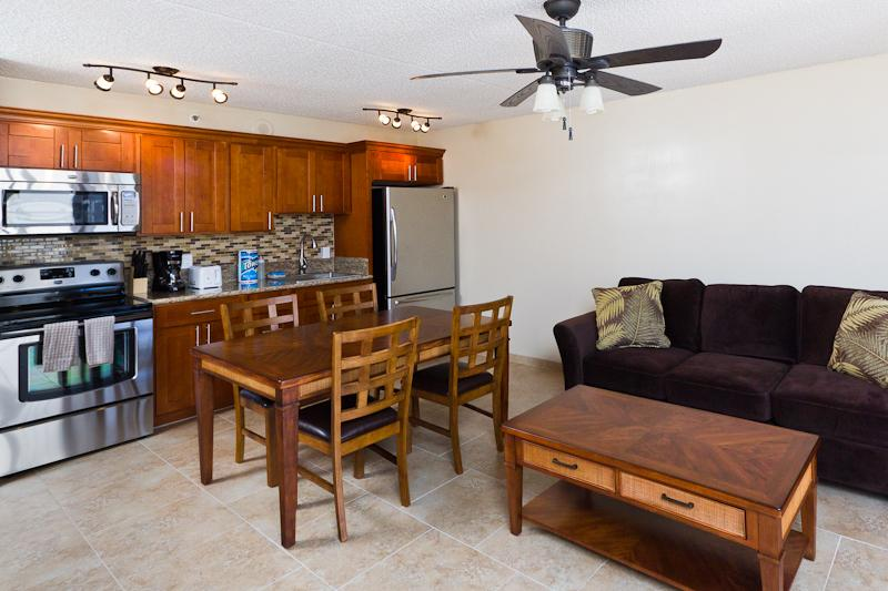 Waikiki Banyan - Waikiki Banyan Tower 1 Suite 1703 - Waikiki - rentals
