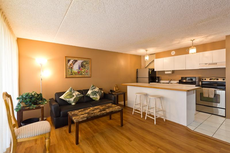 Waikiki Banyan - Waikiki Banyan Tower 1 Suite 1705 - Honolulu - rentals
