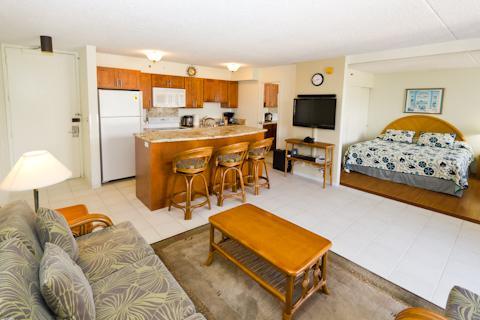 Waikiki Banyan - Waikiki Banyan Tower 2 Suite 3705 - Waikiki - rentals