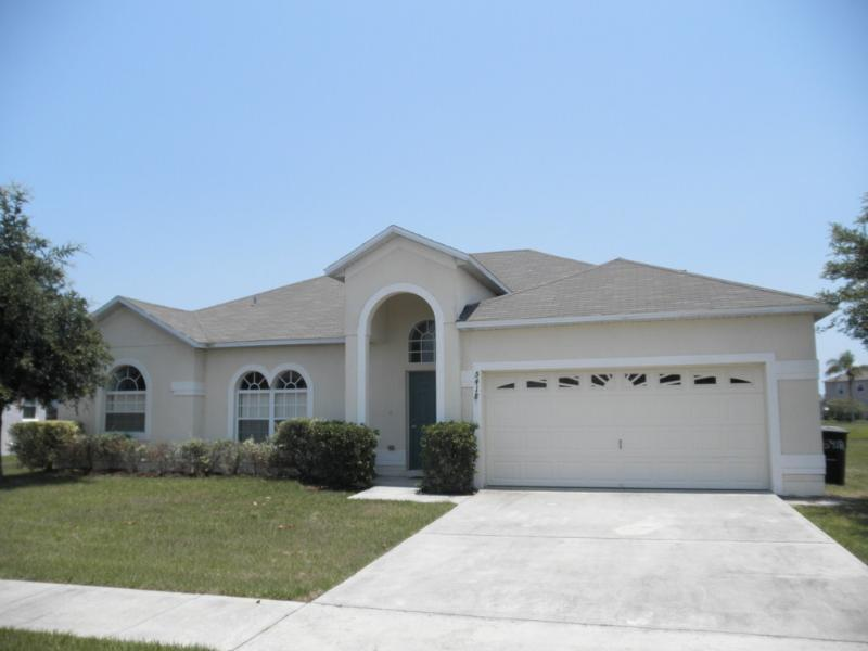 Front myrtle lake - 4 Bedroom Pool home in Kissimmee (47176) - Kissimmee - rentals