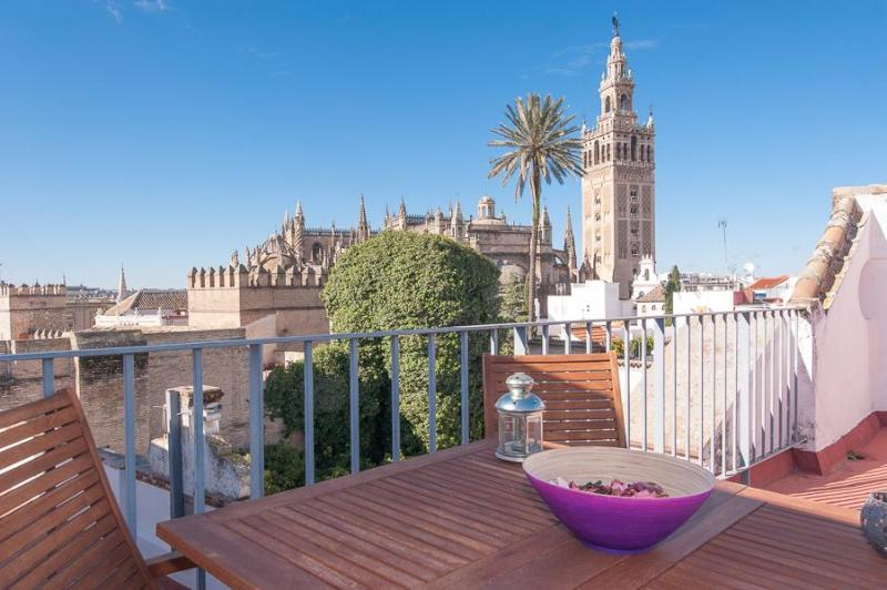Wonderful Views Apartment In Santacruz  Center. - Image 1 - Seville - rentals