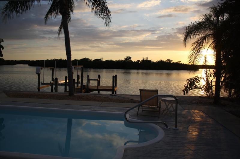 Amazing Sunsets - Island Ave Beauty On The Bay - Matlacha - rentals