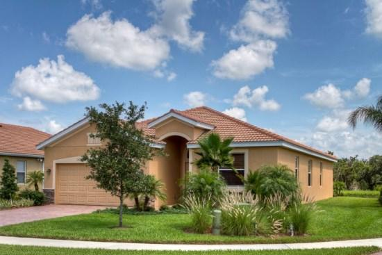 Front of Home - (RS31) 3 Bedroom Pool & Spa Home on Private Lake - Bradenton - rentals