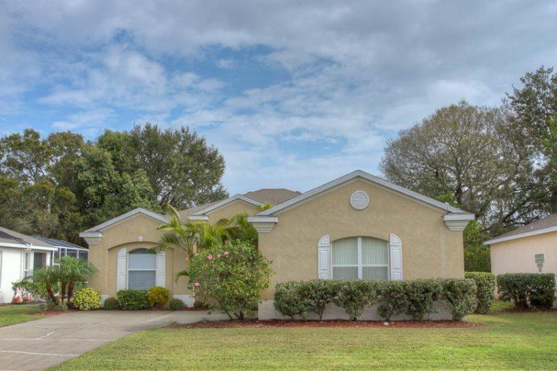 Front of Home - (RP01) Comfortable 4 Bedroom Pool Home with Relaxing View of Pond - Bradenton - rentals